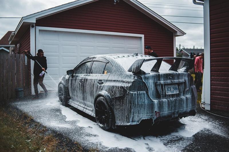 Les meilleurs produits de nettoyage pour voiture