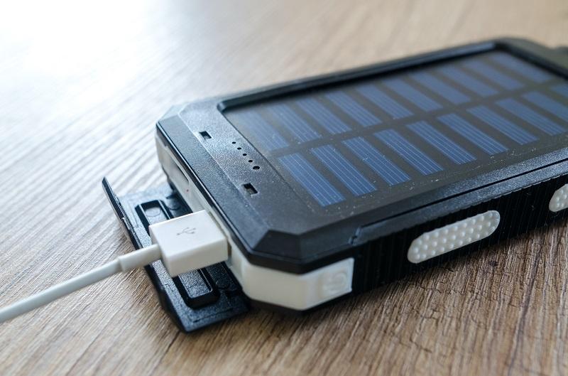 meilleur chargeur solaire portable pour téléphone ou smartphone (7)