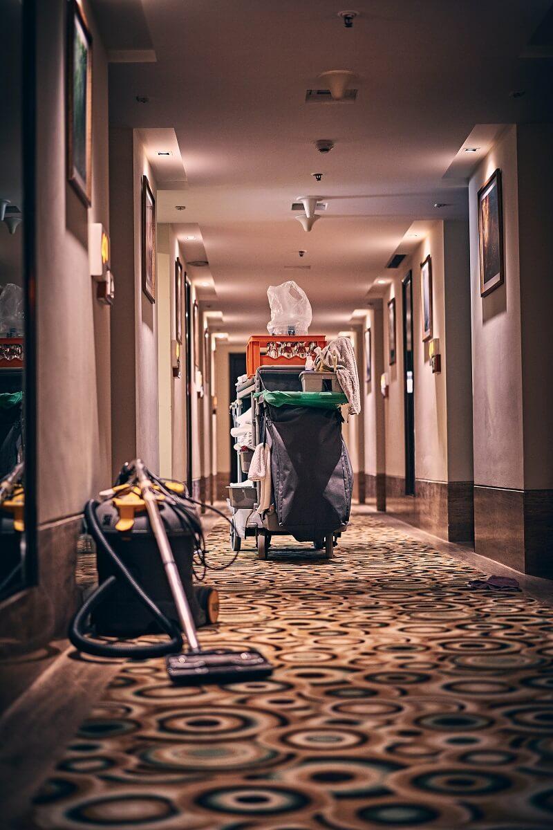 nettoyeur vapeur utilisé dans un hotel
