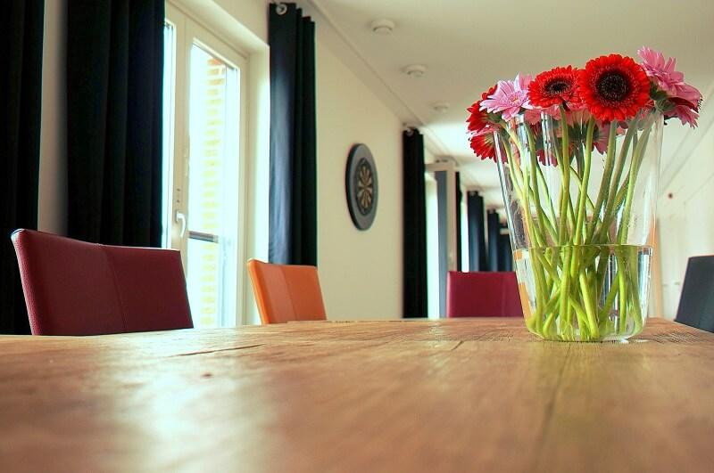 Nettoyage de tapis dans la maison aspirateur portatif rechargeable